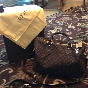 AUTHENTIC!!! Louis Vuitton leather trim speedy